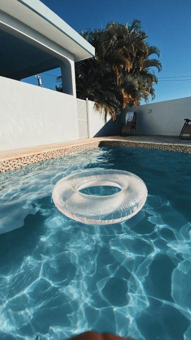 Alcalinité trop élevée dans la piscine: baisser le tac