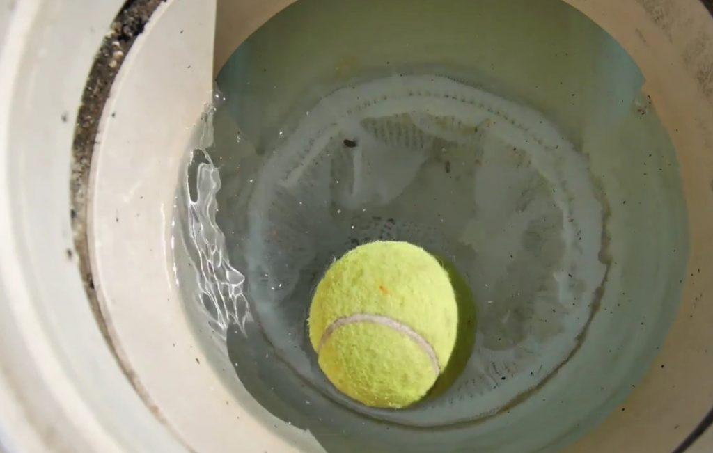 astuce pour nettoyer la ligne d'eau de la piscine