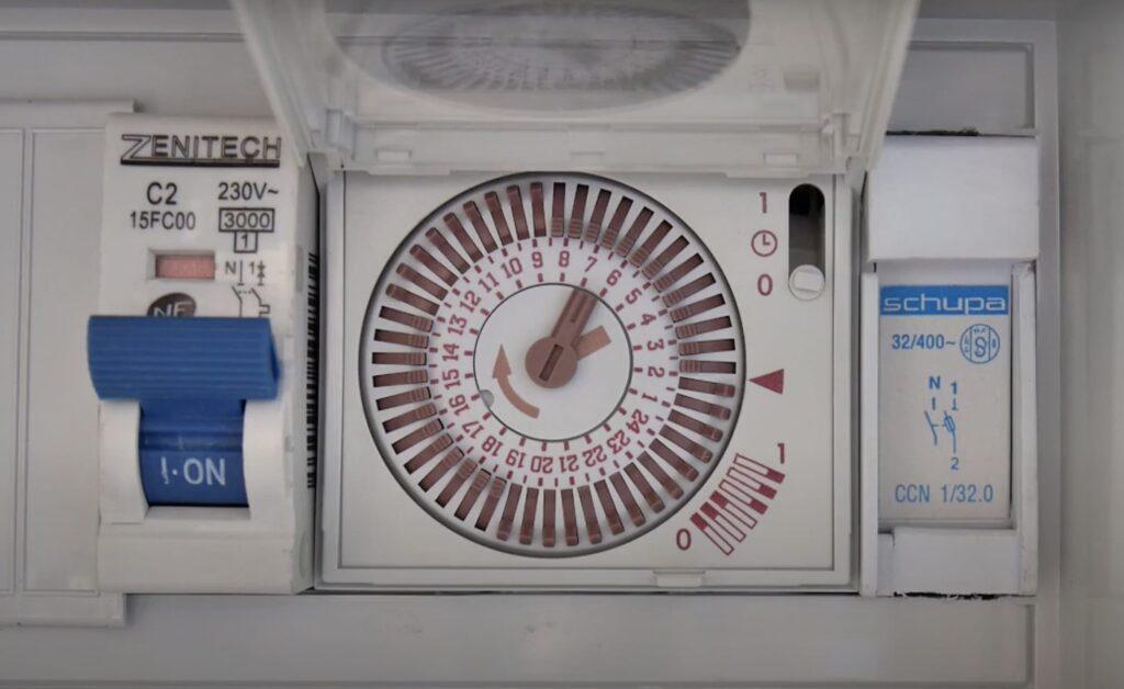 Horloge Piscine avec segment
